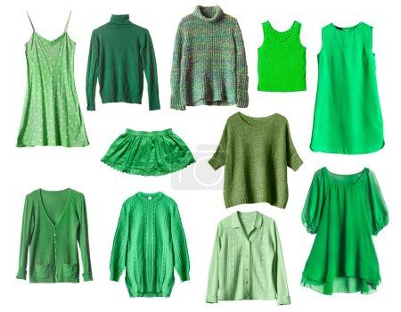 Photo pour Ensemble de vêtements féminins verts isolés sur blanc - image libre de droit