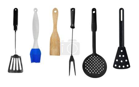 Photo pour Ensemble d'ustensiles de cuisine sur fond blanc - image libre de droit