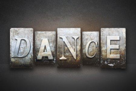 Photo pour La danse du mot écrite en caractères de typographie vintage - image libre de droit