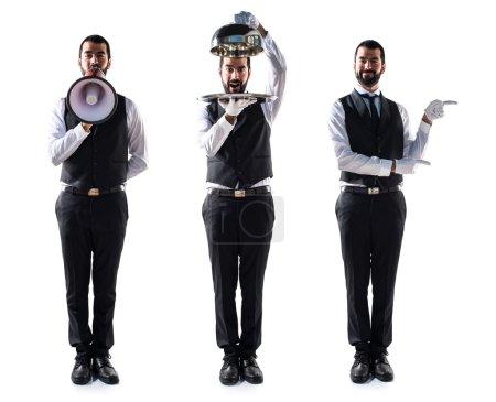 Photo pour Serveur de luxe tenant un plateau - image libre de droit