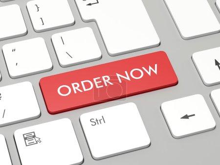 Photo pour Clavier d'ordinateur avec ordre rouge se boutonnent maintenant - image libre de droit