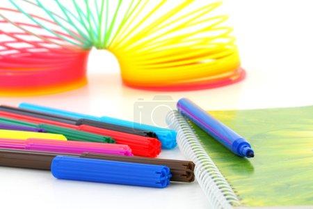 Multicolor children felt-tip pens