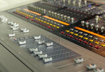 Photo pour Studio de son équipement record de réglage - image libre de droit