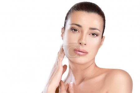 Gorgeous Natural Young Woman. Skin Care and Beauty Concept
