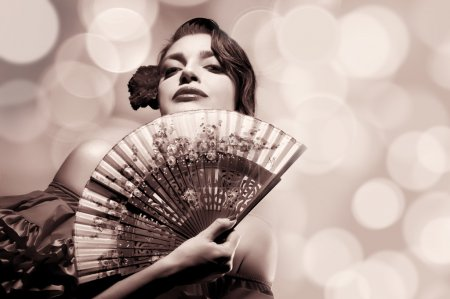 Chica Gitana. Moda Belleza Mujer Andaluza. Festival de Flamenco