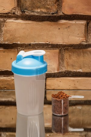 Shaker and protein powder