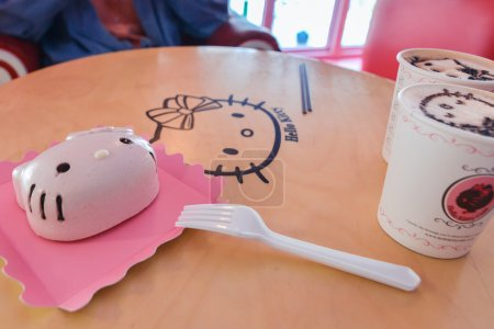 Pink Kitty Pie and beautifully made cappuccinos at Hello Kitty cafe in Seoul