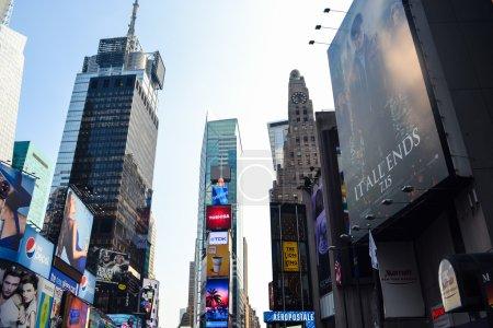 Photo pour Times Square New York. Photo a été prise à l'heure d'été dans la ville de New York, Ny, États-Unis. - image libre de droit