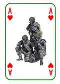 Srdcové eso v boji. Speciální jednotky k boji s teroristy. Karty jsou rozdány na stůl