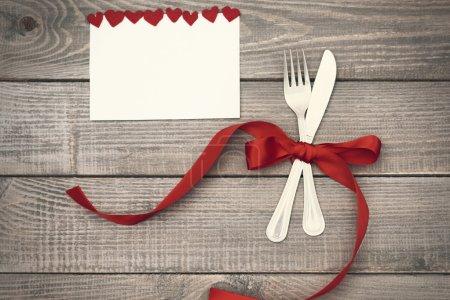 Photo pour Décoration de dîner de Saint-Valentin avec grand amour - image libre de droit