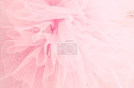 Photo pour Beau fond délicat avec le tissu rose. Fond des jupes avec des fioritures - image libre de droit