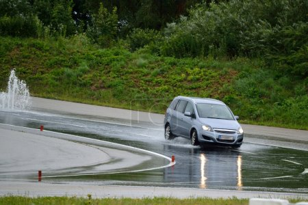 Spin rate with car - driving training
