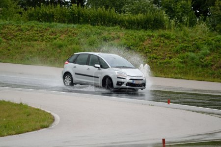 Skid control practice and driving training