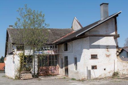 Photo pour Galerie historique délabré - effondrement immeuble en voie de disparition - image libre de droit