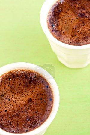 Photo pour Café turc dans une tasse à espresso - image libre de droit