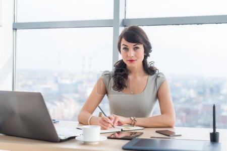 Side view portrait of a businesswoman