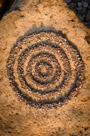 Concentric circles of small stones