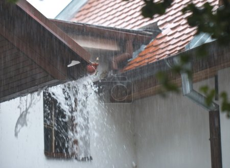 Big rain on the roof
