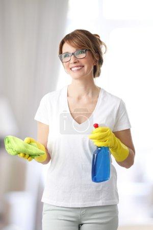 woman holding  microfiber cloth