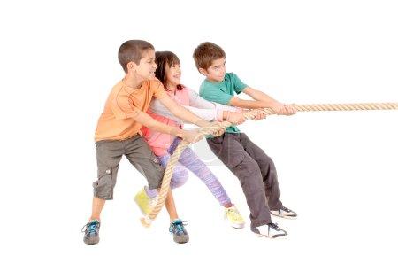 Kids playing rope game