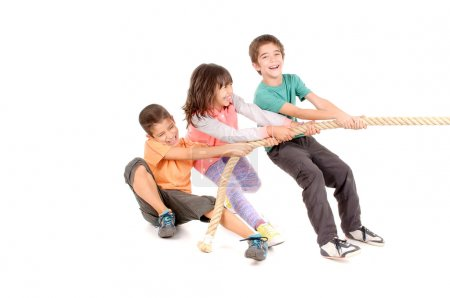 Kids playing rope game