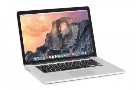 Apple 15 inch MacBook Pro Retina with OS X Yosemite on the tilte