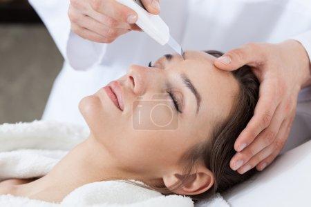 Photo pour Vue horizontale de cavitation peeling en spa - image libre de droit