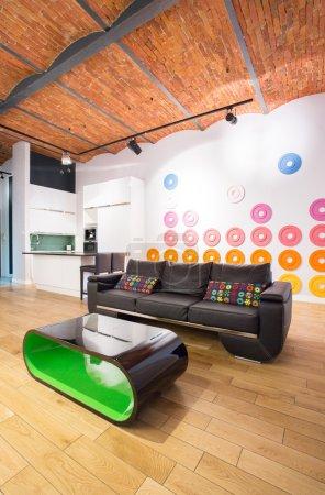 Photo pour Vue de l'aire en appartement loft de repos - image libre de droit