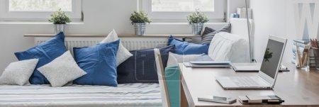 Study and sleeping room combination