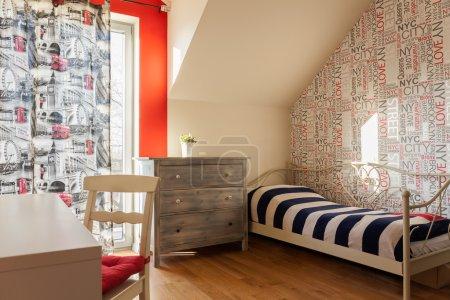 Photo pour Intérieur de la chambre à coucher adolescent dans un style rétro - image libre de droit