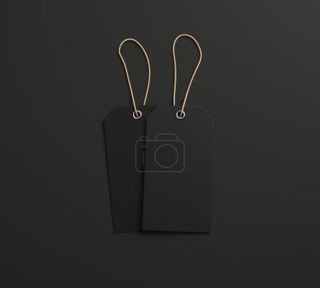 Photo pour Deux étiquettes avec cordes sur fond de papier - image libre de droit