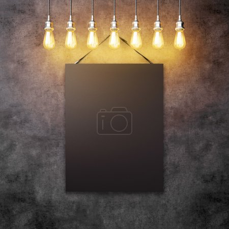 Canvas with vintage lightbulbs