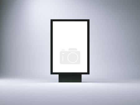 Photo pour Boîte à lumière vide dans le studio vide. Mur vide sur le fond . - image libre de droit