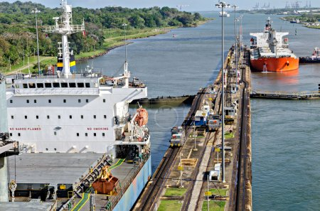 Passing ships in the Panama Canal