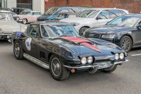 Retro rally Chevrolet Corvette Sting