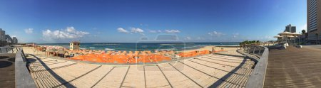 Israel: the beaches of Tel Aviv seen from Tayelet, the Tel Aviv Promenade