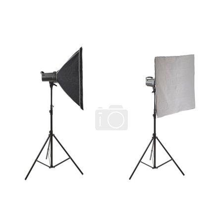 Photo pour Ensemble de flash studio Pulse avec softbox carré sur un support sur fond blanc isolé - image libre de droit