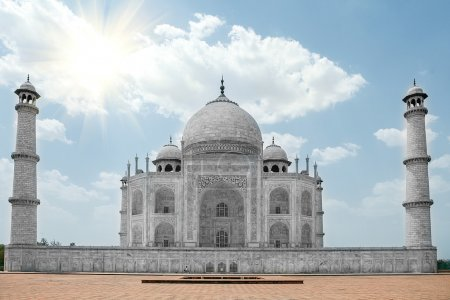 Taj Mahal on a bright day