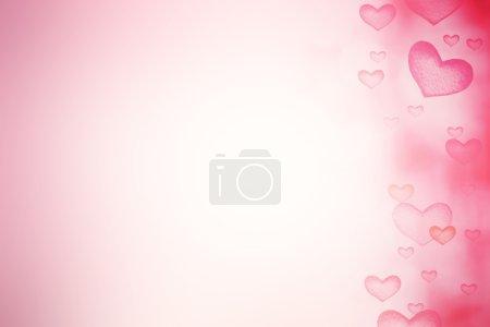 Photo pour Fond festif avec des cœurs d'amour rouges naturels - image libre de droit
