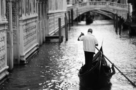 Gondiler in Venice, black and white picture