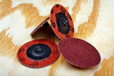 Abrasive sanding discs