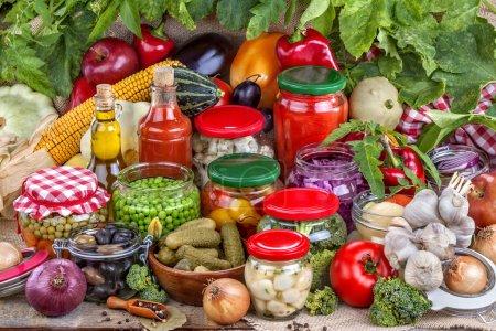 Photo pour Préservation de fruits et légumes frais sains - image libre de droit