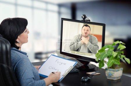Man wants to relieve stress with psychiatrist online