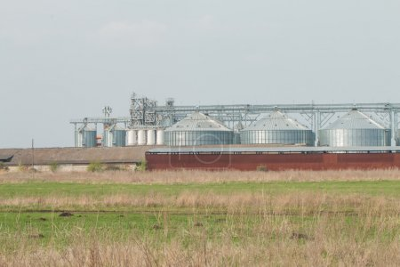 silos for agricultural goods