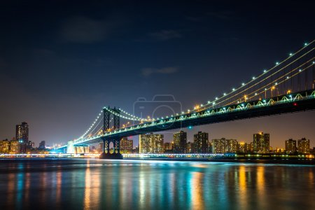 manhattan bridge at night seen from