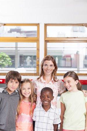 Escolares de aula primaria