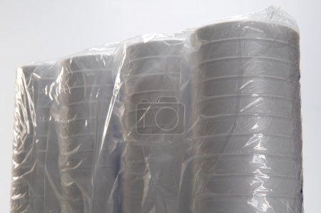 gobelets jetables en plastique blancs
