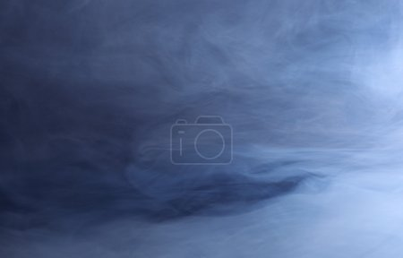 Photo pour Fond abstrait de fumée bleue tourbillonnante - image libre de droit