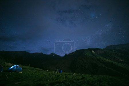 Photo pour Photo de longue exposition grand champ de la voie lactée - image libre de droit