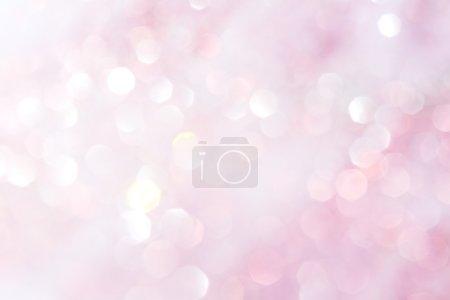 Foto de Puple y luces blancas suaves Resumen de fondo - colores suaves - Imagen libre de derechos